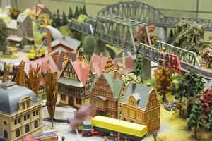 model-railway-239719_640