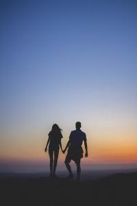 Die Nacht ist dein Freund und auch der Freund der Liebe